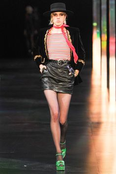 Saint Laurent Spring 2015 Ready-to-Wear Fashion Show - Julia Cumming