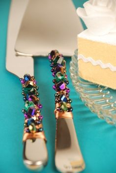 Bright+peacock+wedding+cake+server+and+knife+by+TheVintageWedding,+$59.99