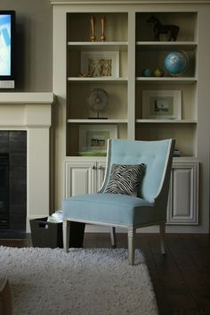Family Room - Spaces - Portland - Janell Beals - House of Fifty Mag Bedroom Shelf Design, Shelves In Bedroom, Built In Around Fireplace, Fireplace Built Ins, Fireplace Ideas, Fireplace Design, Home Office Furniture, Bedroom Furniture, Furniture Ideas