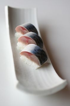 Japanese Food Sabazushi, Lightly Pickled Mackerel Sushi - my favorite! Japanese Food Sushi, Japanese Dishes, Sushi Kunst, Sushi Love, Fast Food, Yummy Food, Tasty, Food Places, Snack