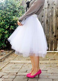 DIY easy tulle skirt (tutorial) #tulleskirtsdiy
