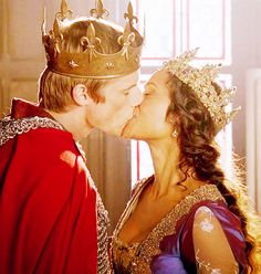 King Arthur and Queen Guinevere (Merlin - BBC) (Arthurian legends) Bradley James, Smallville, Arthur And Guinevere, Outlander, Reign, Miss Fisher, Angel Coulby, Merlin Series, Tv Series