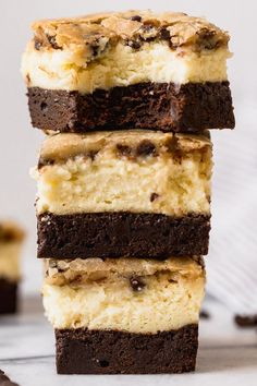 These Brownie Bottom Cookie Dough Cheesecake Bars take indulgence to a whole . Homemade Desserts, Köstliche Desserts, Delicious Desserts, Dessert Recipes, Health Desserts, Cookie Dough Cheesecake, Cheesecake Bars, Cheesecake Recipes, Blueberry Cheesecake