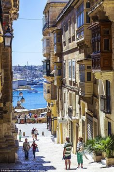 A quirky guide to Malta, the most popular island in the Med You can even still get a decent cup of tea in downtown Valetta, which is Malta's diminutive capital Malta Valletta, The Places Youll Go, Places To See, Places To Travel, Travel Destinations, Travel Diys, Bósnia E Herzegovina, Malta Island, Voyage Europe