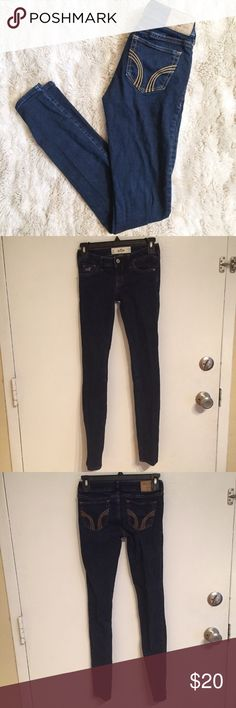 Hollister Dark Wash Classic Skinny Jeans Hollister Basic darkwash skinny jeans. Perfect staple item to pair with anything. Size 0R.  #hollister #darkwash #denim #skinnyjeans #staple #basic #skinny #jeans #punkydoodle  No modeling Smoke free home I do discount bundles Hollister Jeans Skinny