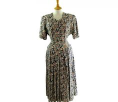 "80s Flower Print Dress Features a small multicoloured floral print #80sdress #vintagefashion #vintage #retro #vintageclothing #80s #1980s #vintagedress <link rel=""canonical"" href=""http://www.blue17.co.uk/>"