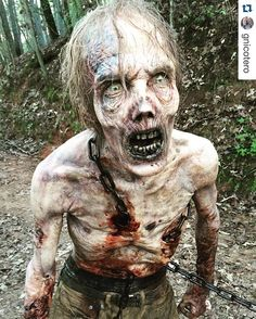 Filming the finale for season 6 of The Walking Dead! Sunday night is the last new episode until October. Zombie Art, Zombie Makeup, Creepy Makeup, Sfx Makeup, Walking Dead Zombies, Fear The Walking Dead, Gothic Horror, Horror Art, Last Day