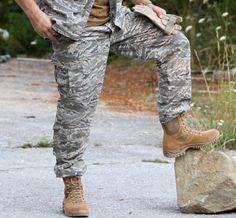 Kvalitné nohavice od firmy MMB v strihu ACU (ARMY COMBAT UNIFORM ), ktoré sú v prevedení známeho maskáčového vzoru Digital tiger. http://www.armyoriginal.sk/3112/45539/us-maskace-acu-digital-tiger-mmb.html