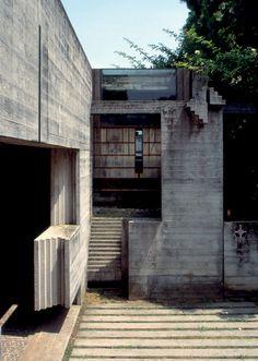 San Vito d'Altivole Carlo Scarpa, Home Building Design, Building A House, Architecture Drawings, Architecture Details, Artist And Craftsman, Retro Futuristic, Concrete Design, Brutalist