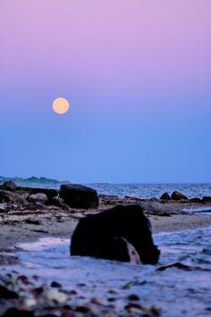 Moonrise over Drejet, Dyreborg
