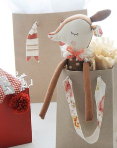 Sweet way to upgrade your gift wrap: DIY fabric handles from Creature Comforts