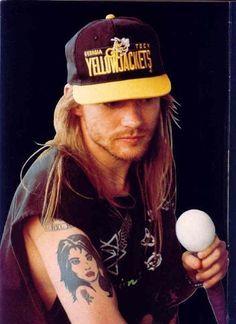Axl Rose of Guns N' Roses, early Axl Rose, Guns N Roses, Rango Vocal, Steven Adler, Digital Foto, 80s Hair Bands, Duff Mckagan, Rose Photos, Rock Legends
