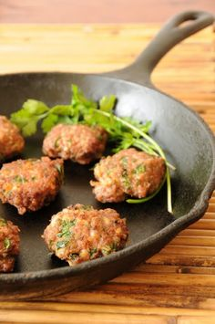Top 10 Best Persian Recipes (Photo: Persian meat patties with cilantro, cumin and chickpea flour) Iranian Cuisine, Iranian Food, Green Bean Stew Recipe, Persian Rice, Cooking Recipes, Healthy Recipes, Alkaline Recipes, Arabic Food, Salads