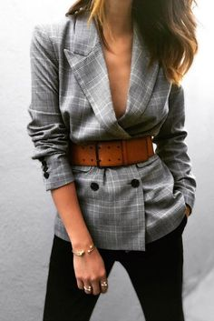 Women& blazer: how to wear it to have style? - How to wear your blazer for style - Look Blazer, Plaid Blazer, Blazer Outfits, Casual Outfits, Casual Blazer, Fall Outfits, How To Wear Blazer, Women Blazer Outfit, Check Blazer
