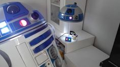 Something we liked from Instagram! Creo que a R2 le gusta su nueva lámpara #starwars #bb8#r2d2 #anime #cosplay #otaku #geek #c3po #droid #robot #lucasfilm #disney #game #gaming #gamer #computer #3dprinter #travell  #astromechspain #astromech #game #gamer #gaming #geek #guitar #music #DJ #lamp by esp_robotics check us out: http://bit.ly/1KyLetq