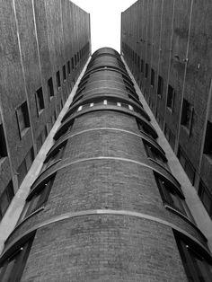 Sivill House 3, Bethnal Green, London, Skinner & Bailey with Lubetkin, 1964-1966 Photo: Simon Phipps