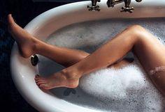Το ήξερες πως ένα ζεστό μπάνιο προσφέρει τα ίδια οφέλη με τη γυμναστική;