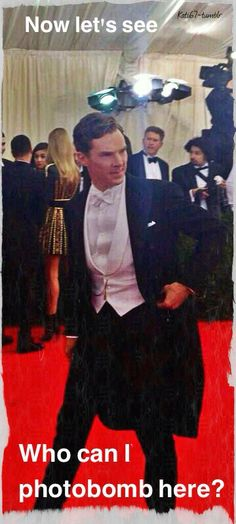 Met Gala 2014 where he was voted best dressed Male by Anna Wintour(Vogue editor in chief) Benedict Cumberbatch Sherlock, Sherlock Holmes, Doctor Strange, Doctor Who, Detective, Benedict And Martin, Haha, 221b Baker Street, Johnlock