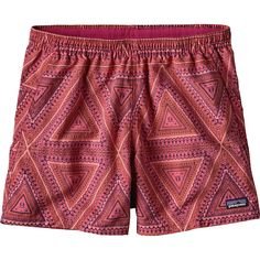 Patagonia - Baggies Board Short - Women's - Bermuda/Craft Pink I like the prints and the solids Size: XS Older Women Fashion, Womens Fashion Online, Rompers Women, Jumpsuits For Women, Patagonia Baggies, Patagonia Shorts, Birthday Outfit For Women, Board Shorts Women, Outfits With Hats