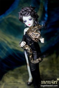 Medusa, ball jointed doll by Sugarble.