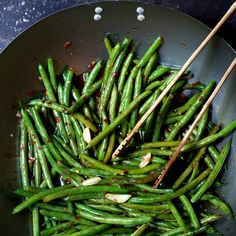 Thai Sweet Chili Green Beans Recipe Side Dishes with canola oil, garlic, green beans, vegetable broth, soy sauce, sweet chili sauce, crushed red pepper flakes, salt