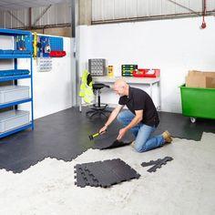 Value Interlocking Vinyl Floor Tiles Garage Gym Flooring, Rubber Garage Flooring, Garage Floor Mats, Interlocking Vinyl Flooring, Garage Shelving Units, Garage Storage, Corner Shelving, Garage Organisation, Cool Garages
