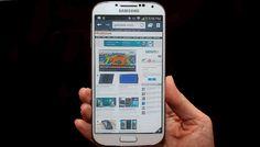 El Samsung Galaxy S4 mejora en todos los aspectos lo que había presentado el Galaxy S3, teniendo una pantalla más grande con mejor resolución, un diseño un poco más elegante y una gran cantidad de nuevas funcionalidades que son una buena opción, pero que no creemos que la mayoría vaya a realmente utilizarlas. http://gabatek.com/2013/05/15/tecnologia/samsung-galaxy-s4-analisis-del-galaxy-s4-el-celular-mas-poderoso-del-mundo-review/