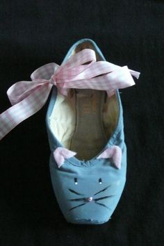 Decorative pointe shoe  mouse by PointePerfection1 on Etsy, $15.99