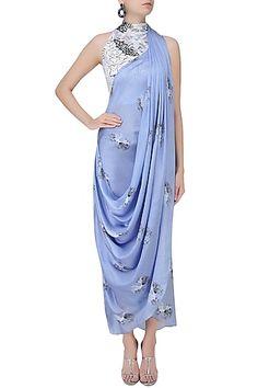Babita Malkani presents Serenity blue floral printed drape saree available only at Pernia's Pop Up Shop. Drape Gowns, Draped Dress, Drape Sarees, Pakistani Dresses, Indian Dresses, Indian Designer Outfits, Designer Dresses, Saree Gown, Evening Dresses