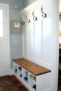 Besides tables, you can rely on benches as your house's entryway furniture. An entryway bench can be. ideen dekoration ablage 59 Entryway Bench Ideas that are Useful and Beautiful Entryway Bench Coat Rack, Hallway Coat Rack, Hallway Bench, Hallway Storage, Wall Coat Rack, Bench Mudroom, Entry Bench, Door Bench, Wall Bench