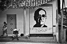#MUJERES #GUERRILLERAS #REVOLUCION #SALVADOR #DOCUMENTAL #GUERRA #CIVIL - Fotografía por Studio Panga. Junio 2011 - Arcatao. Un proyecto documental y fotográfico sobre la guerra civil salvadoreña desde una perspectiva de género: la experiencia de la mujer guerrillera. Una herramienta para conservar la memoria histórica. Una muestra del pasado que siempre es presente. graffiti pared pintada mural revolucionaria  +INFO www.studiopanga.com  CAMPAÑA crowdfunding verkami…