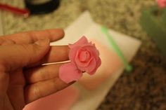 Gwen's Kitchen Creations: Fondant Roses Tutorial