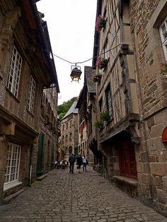 Rue du petit Fort, Dinan by Jose Antonio Abad, via Flickr