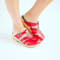Spring is here and we have a full inventory of beautiful red clogs for your Spring wardrobe!   https://superiorclogs.com/product-category/red-clogs/