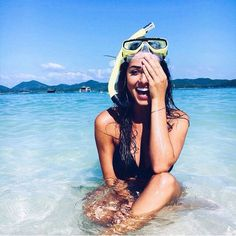 I spent 2 months on an island last summer and I feel like I didn't appreciate it as much as I should have - bikini style guide for spring break and beach vacation Summer Goals, Summer Of Love, Retro Summer, Summer Beach, Hot Beach, Beach Fun, Summer Fun, Shooting Photo, Vacation Pictures