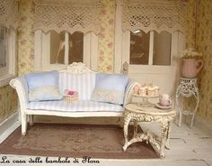 the doll house of flora