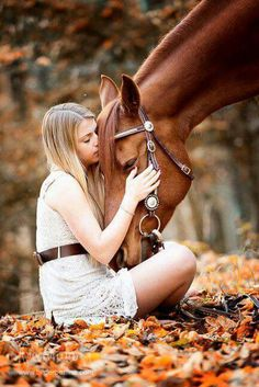 All People from the World are Welcome in Our Community lovely ✿ Horses 💙🌐👑🐎✿💕 Horse Girl Photography, Equine Photography, Animal Photography, Horse Photos, Horse Pictures, Senior Pictures, Horse And Human, Shooting Photo, Senior Girls