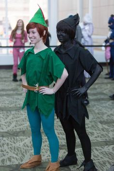Peter Pan/Shadow costume for Twins. Peter Pan and his shadow cosplay. How awesome is this? Disney This would be a really cool costume idea for twins! Unique Halloween Costumes, Creative Costumes, Couple Halloween, Cool Costumes, Halloween Fun, Cosplay Costumes, Costume Ideas, Twin Costumes, Friend Costumes
