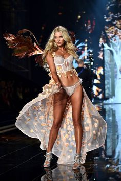 See the sexiest looks from the 2014 Victoria's Secret Fashion Show.