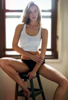 Hannah Ferguson by Curtis Eberhardt Hannah Ferguson, Sexy Poses, Gorgeous Women, Beautiful People, Hello Gorgeous, Beautiful Celebrities, Skinny Girls, Bikini Babes, Belle Photo