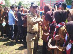 Riaubook - Bupati Pelalawan H.M Harris membuka Kemah Budaya dan  Penghijauan Lomba Tungkat 2 Kwartir Ranting Teluk Meranti, di Halaman…