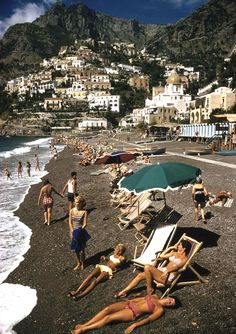 Post with 47 votes and 2197 views. Tagged with beach, vintage, italy, positano, amalficoast; Vintage picture of Positano beach on the Amalfi Coast dated 1959 Menorca, National Geographic Photography, Beach Vibes, Positano Italy, Positano Beach, Italian Summer, Italian Beach, Amalfi Coast, Plein Air