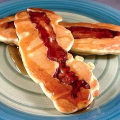 #Bacon #Pancakes.  Tag someone who would love this.