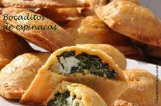 Deliciosos bocaditos rellenos con espinacas, queso y piñones