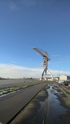 Le Blog Photos LUMIA: Ile de Nantes - Grue ancien chantier Naval  http://photos-lumia.blogspot.fr/