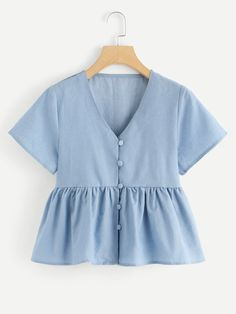 V Neck Ruffle Denim Top -SheIn(Sheinside) - Deringa Teen Fashion Outfits, Mode Outfits, Girl Outfits, Casual Outfits, Fashion Dresses, Crop Top Outfits, Summer Outfits, Sewing Clothes, Diy Clothes