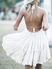 Vestido halter sin espalda plisado -blanco