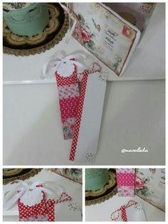 Masaleda tasarımı el yapımı çiçekli ve dantel detaylı kitap ayraçları...