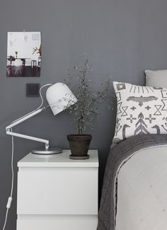 Tikkurila m499 mantteli maalisävy Floating Nightstand, Floating Shelves, Grey Wall Color, Blue And Green, Bedroom Wall Colors, Healthy Living Magazine, Grey Walls, Rustic Farmhouse, Retro