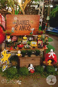 Decoración temática fiesta infantil. Snoopy Birthday, Snoopy Party, Fall Birthday, 1st Boy Birthday, Boy Birthday Parties, Snoopy Charlie, Snoopy E Woodstock, Baby Snoopy, Charlie Brown Peanuts
